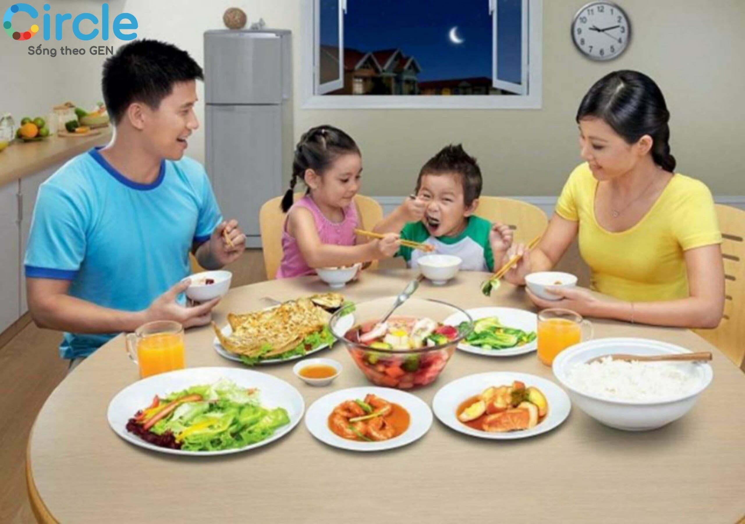 Bữa ăn cùng nhau sẽ giúp gắn kết tình yêu thương của các thành viên trong gia đình.