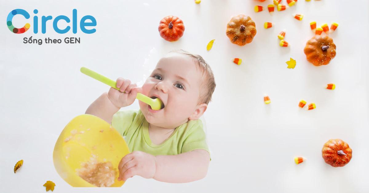 Hãy để trẻ thoải mái ăn uống theo sở thích và tự xúc. Giúp trẻ nhận thức được bản thân đã no hay chưa?