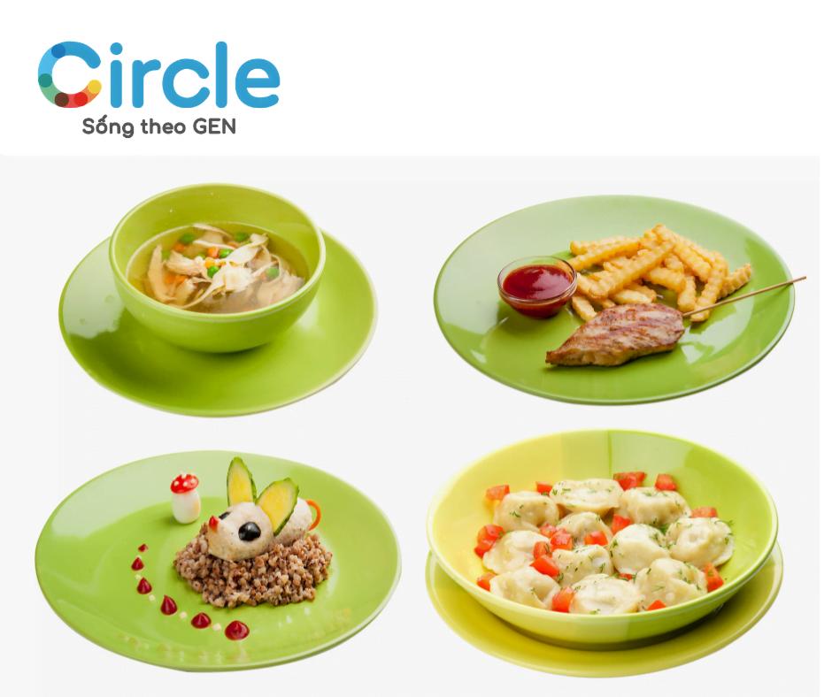 Thực đơn cho trẻ suy dinh dưỡng độ III 2 tuổi cần được chia nhỏ ra thành nhiều bữa ăn trong ngày.